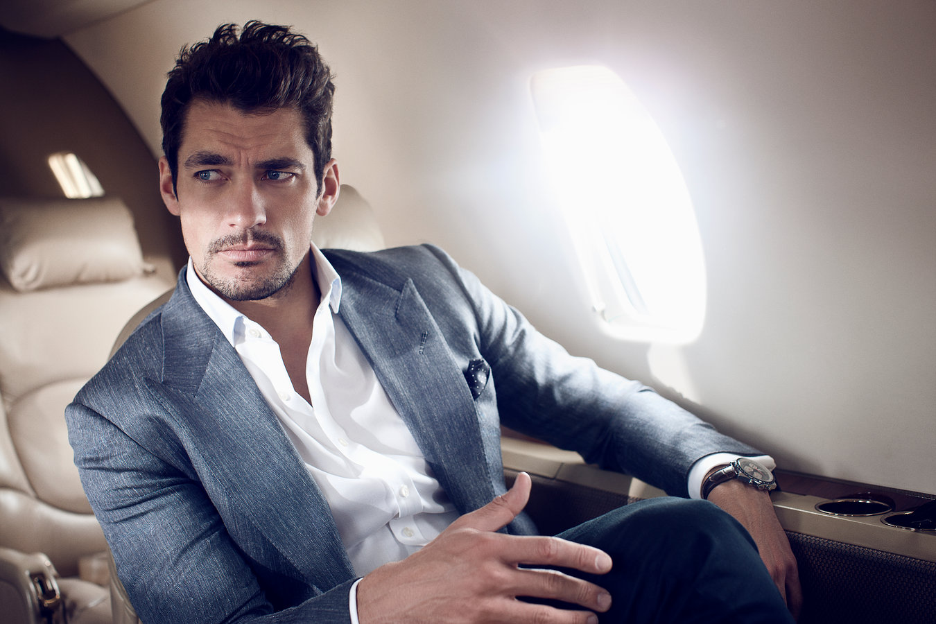 hot-guy-on-the-plane
